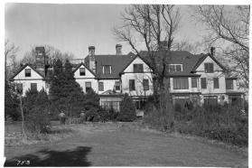 Demolition of the Gray Crag manor house by the WPA, November 19, 1935.