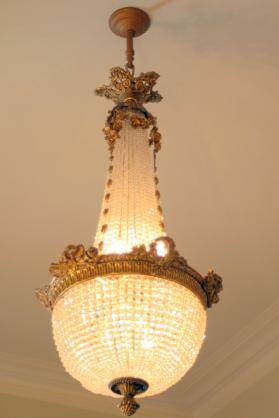 Chandelier with Six Sockets