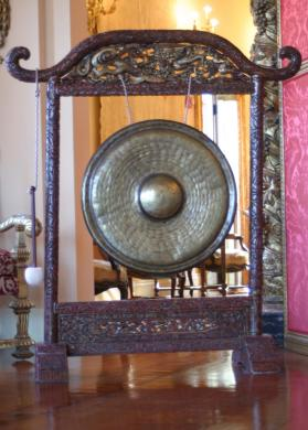 Gong with stand and mallet