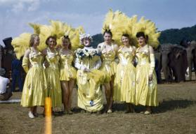 6 Female Performers with Clown